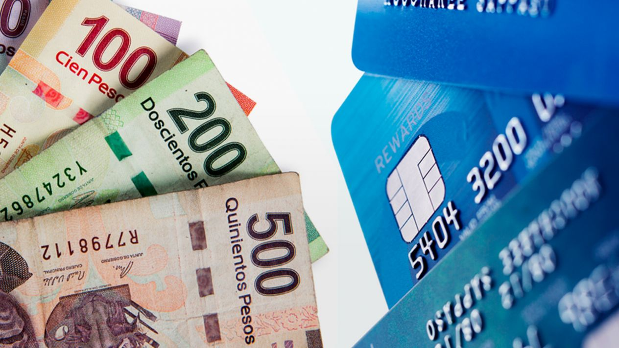 billetes y tarjetas agrupadas